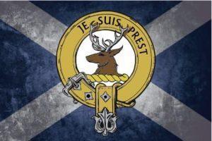 Clan Crest auf Schottland Flagge